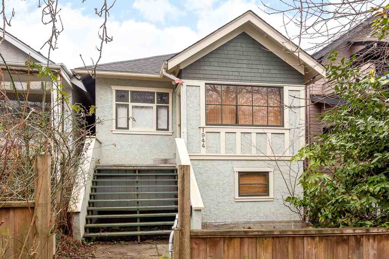 "Main Photo: 1944 CHARLES Street in Vancouver: Grandview VE House for sale in ""Commercial Drive"" (Vancouver East)  : MLS(r) # R2029966"