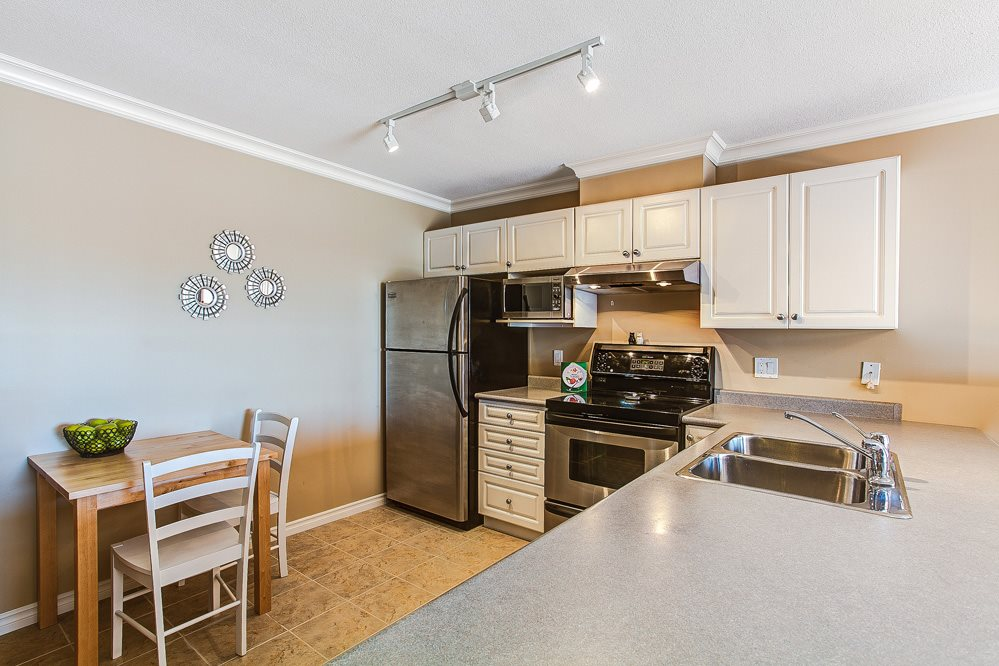 "Photo 4: 404 22230 NORTH Avenue in Maple Ridge: West Central Condo for sale in ""SOUTHRIDGE TERRACE"" : MLS® # R2040890"