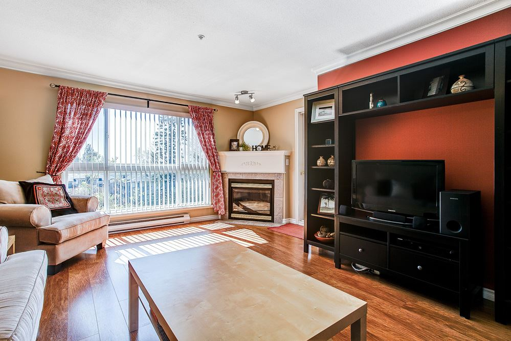 "Photo 6: 404 22230 NORTH Avenue in Maple Ridge: West Central Condo for sale in ""SOUTHRIDGE TERRACE"" : MLS® # R2040890"