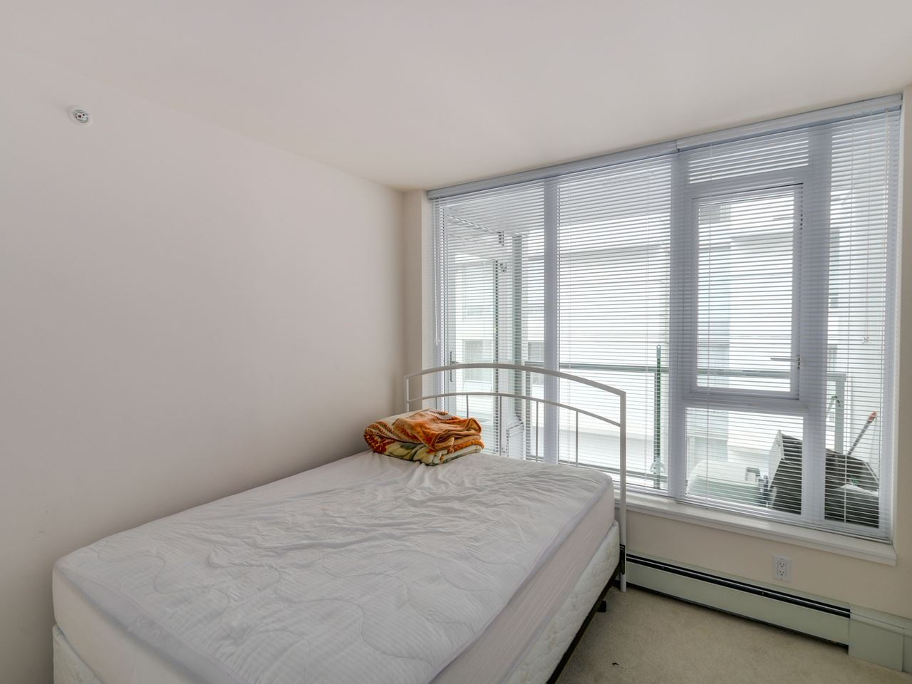 "Photo 15: 802 1887 CROWE Street in Vancouver: False Creek Condo for sale in ""PINNACLE ON FALSE CREEK"" (Vancouver West)  : MLS® # R2044450"