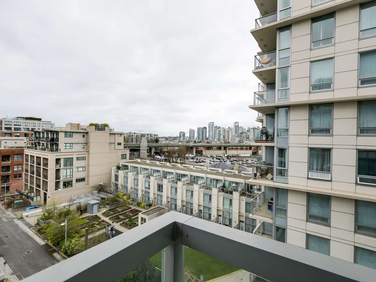 "Photo 19: 802 1887 CROWE Street in Vancouver: False Creek Condo for sale in ""PINNACLE ON FALSE CREEK"" (Vancouver West)  : MLS® # R2044450"