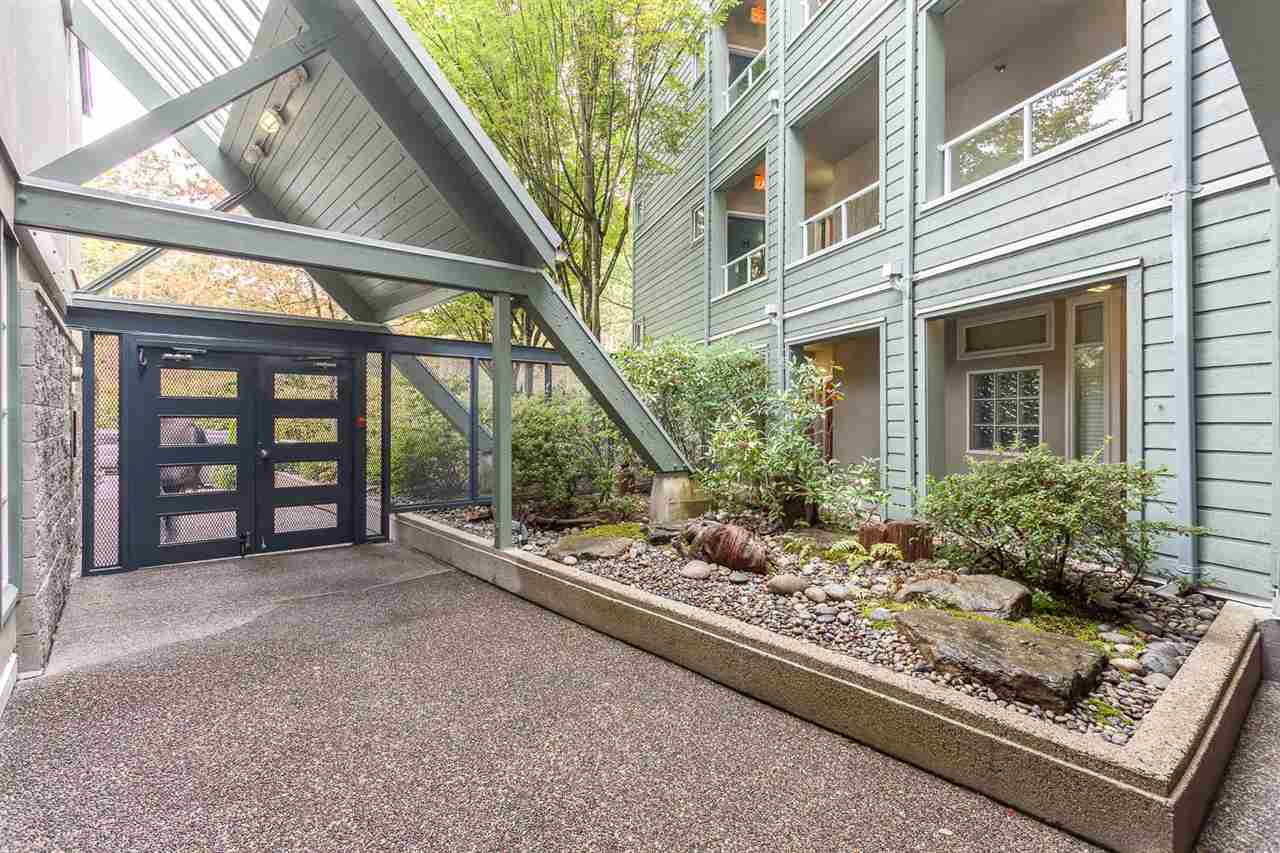 "Photo 3: 209 2080 E KENT AVENUE SOUTH in Vancouver: Fraserview VE Condo for sale in ""TUGBOAT LANDING"" (Vancouver East)  : MLS(r) # R2105650"