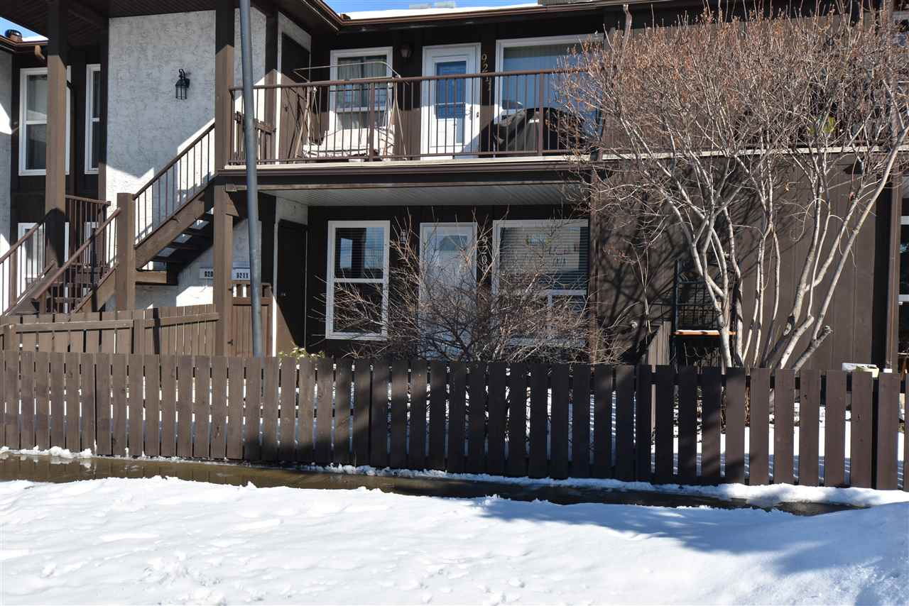 Main Photo: 9209 172 Street in Edmonton: Zone 20 Townhouse for sale : MLS(r) # E4055328