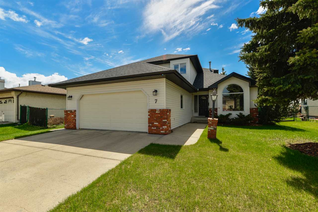 Main Photo: 7 HILLSIDE Way: Stony Plain House for sale : MLS(r) # E4057301