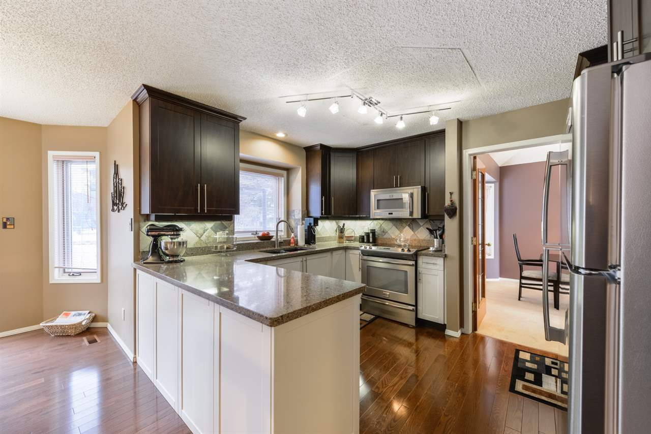 Main Photo: 7 HILLSIDE Way: Stony Plain House for sale : MLS® # E4057301