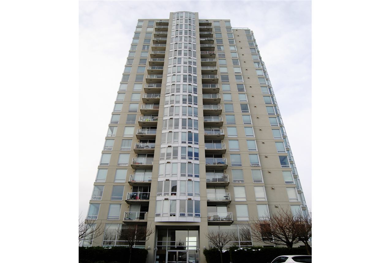 "Main Photo: 304 14820 104 Avenue in Surrey: Guildford Condo for sale in ""CAMELOT"" (North Surrey)  : MLS(r) # R2155221"