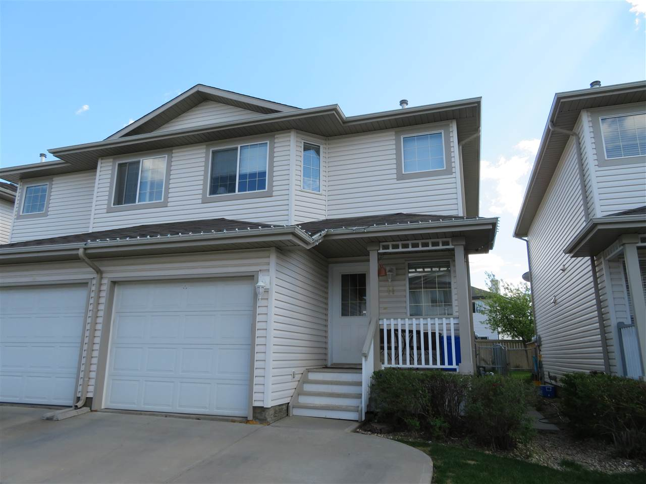 Main Photo: 11 16933 115 Street in Edmonton: Zone 27 House Half Duplex for sale : MLS(r) # E4065404