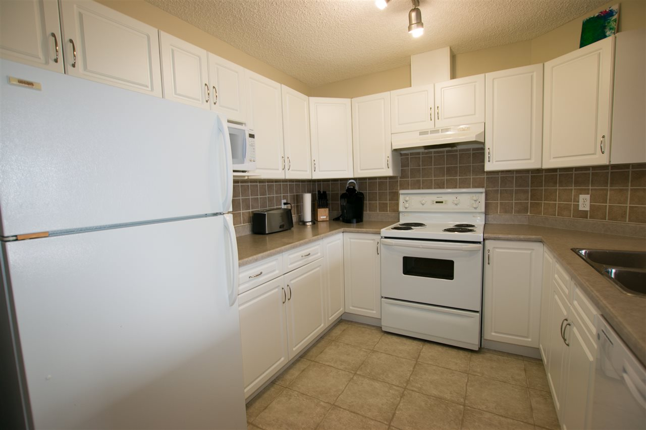 Photo 2: 8 200 ERIN RIDGE Drive: St. Albert Townhouse for sale : MLS(r) # E4068565