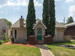 Main Photo: 8523 81 Avenue in Edmonton: Zone 17 House for sale : MLS(r) # E4073254