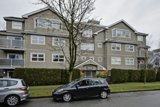 "Main Photo: 401 3008 WILLOW Street in Vancouver: Fairview VW Condo for sale in ""WILLOW PLACE"" (Vancouver West)  : MLS(r) # R2191329"