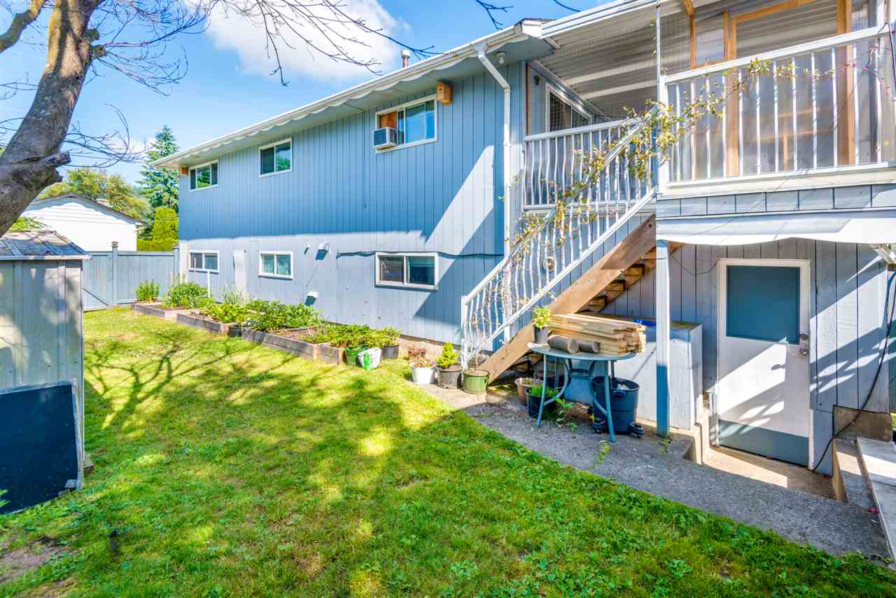 Photo 19: 215 SEAVIEW Drive in Port Moody: College Park PM House for sale : MLS® # R2191903