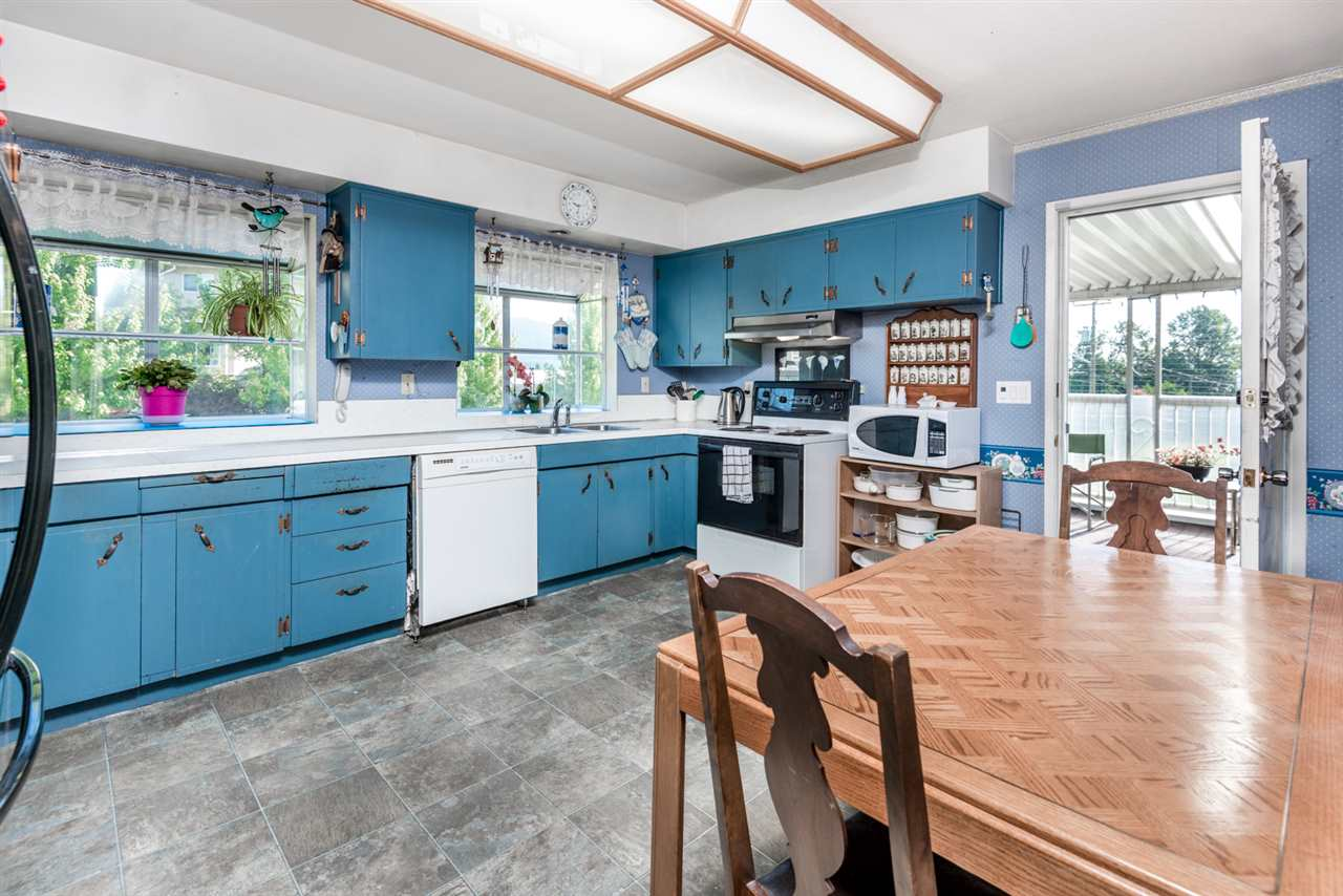 Photo 6: 215 SEAVIEW Drive in Port Moody: College Park PM House for sale : MLS® # R2191903