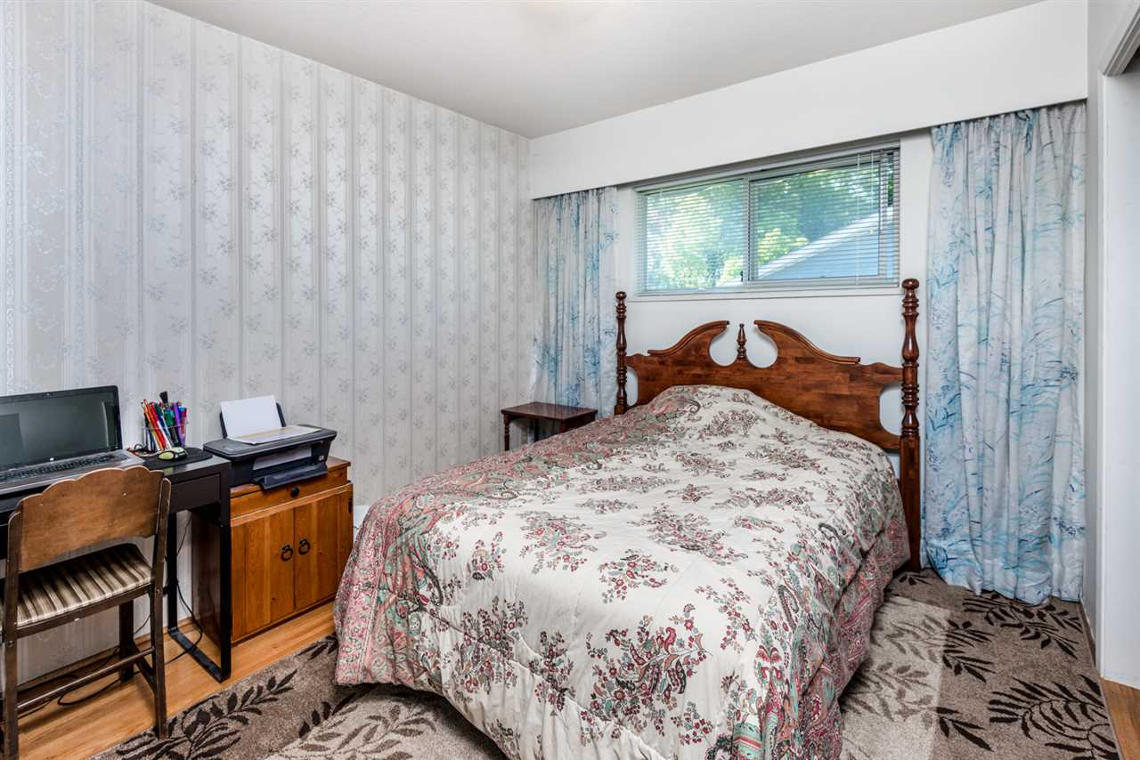 Photo 10: 215 SEAVIEW Drive in Port Moody: College Park PM House for sale : MLS® # R2191903