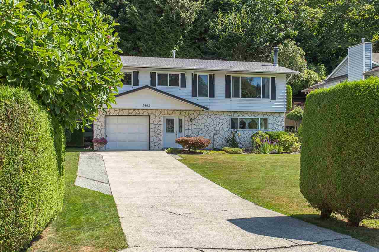 Main Photo: 2402 CAMERON Crescent in Abbotsford: Abbotsford East House for sale : MLS® # R2191988