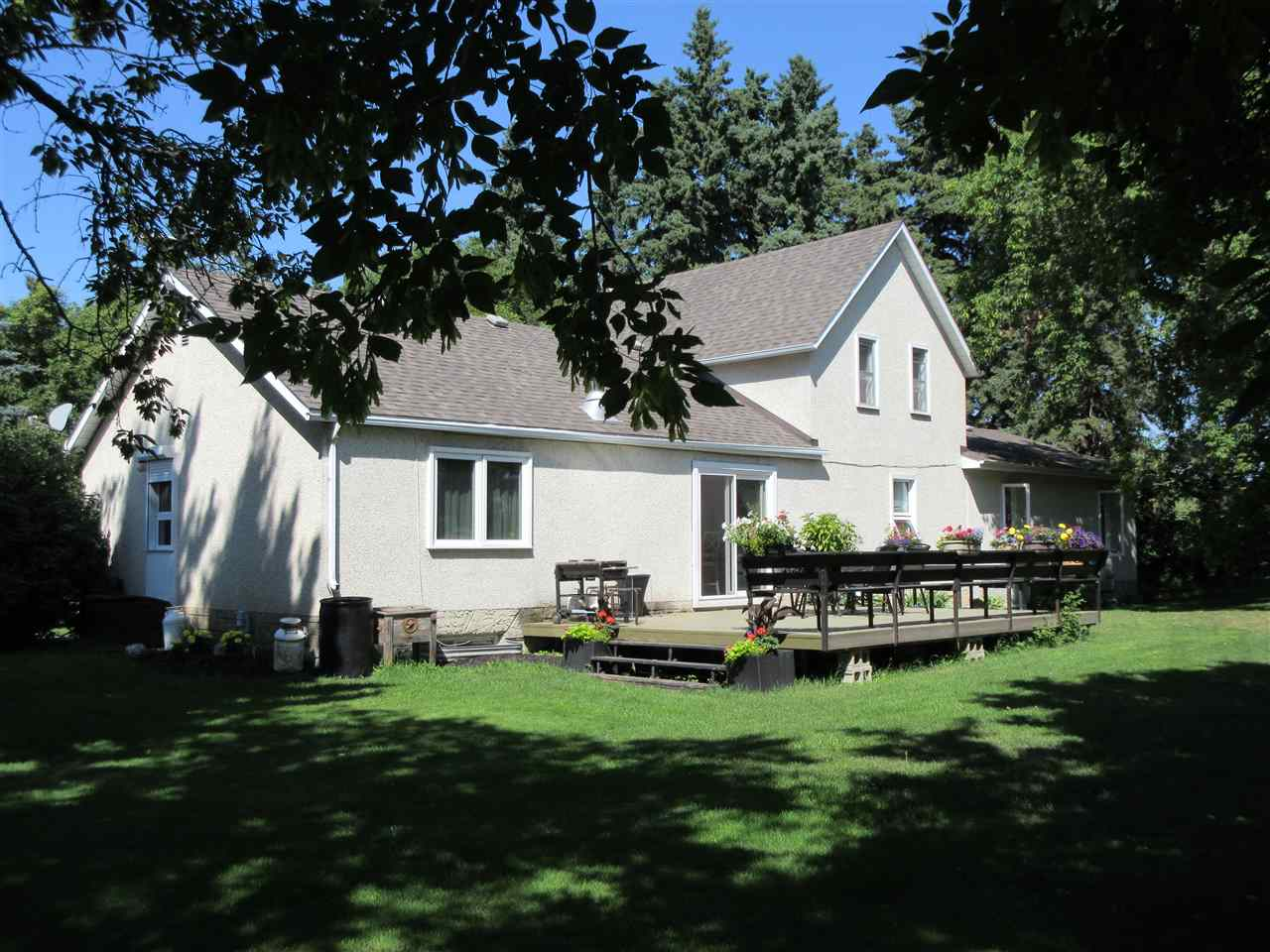 Main Photo: 23308 Twp Rd 560: Rural Sturgeon County House for sale : MLS® # E4076144