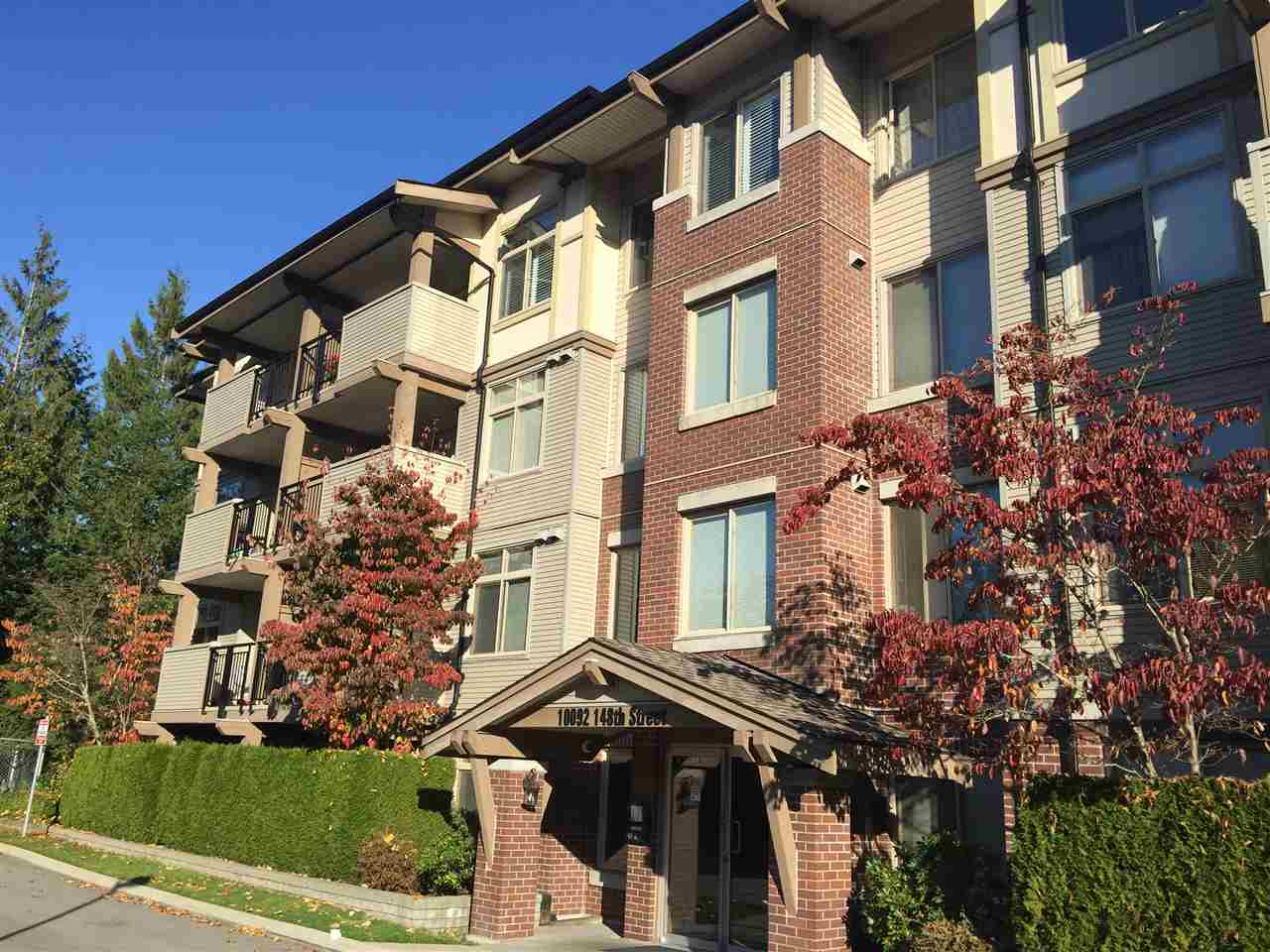 Photo 1: Photos: 404 10092 148 Street in Surrey: Guildford Condo for sale (North Surrey)  : MLS® # R2223272