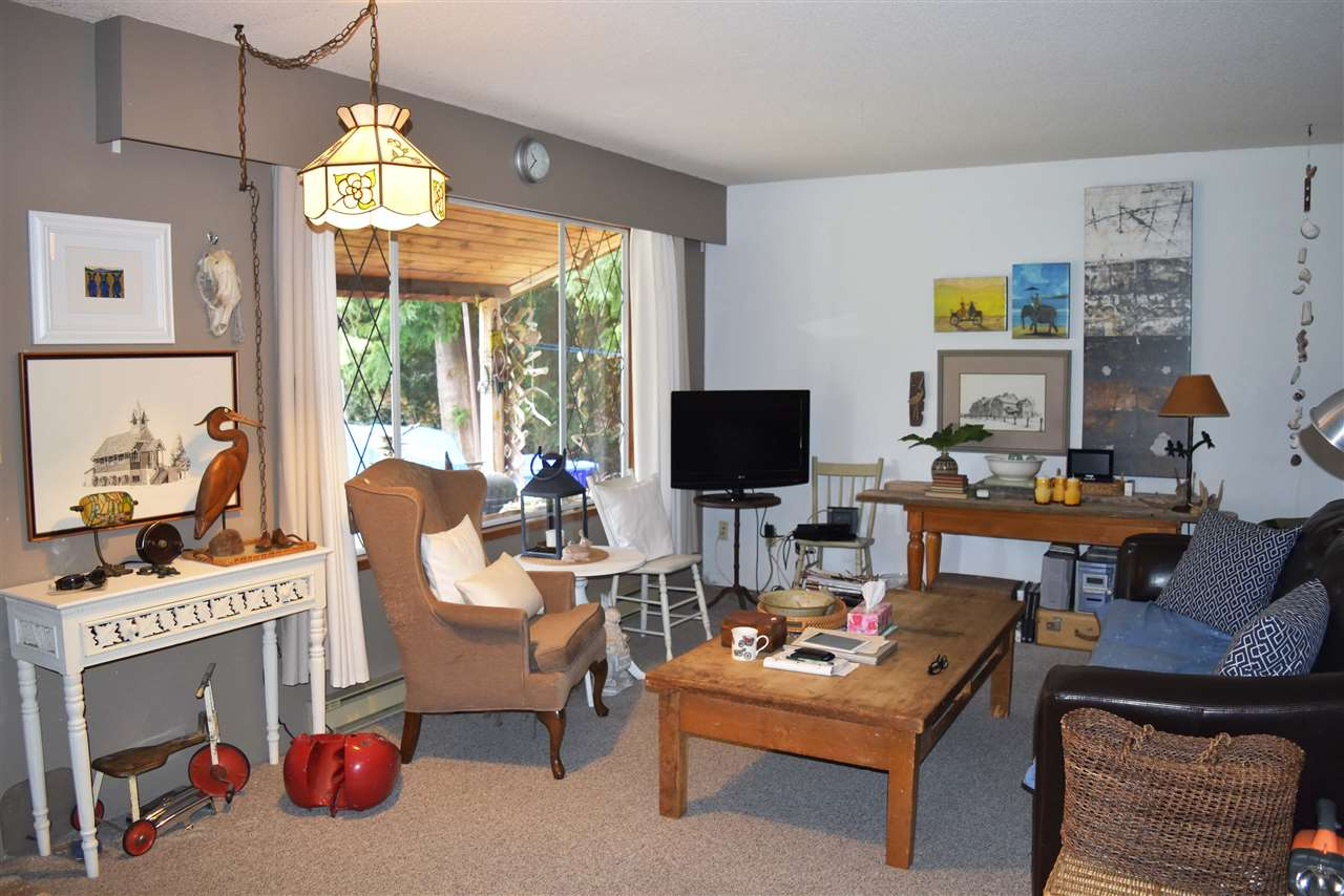 Photo 4: Photos: 5605 GOWLAND Road in Sechelt: Sechelt District House for sale (Sunshine Coast)  : MLS® # R2244198