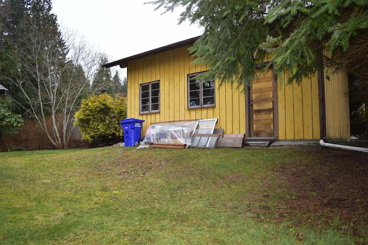 Photo 8: Photos: 5605 GOWLAND Road in Sechelt: Sechelt District House for sale (Sunshine Coast)  : MLS® # R2244198