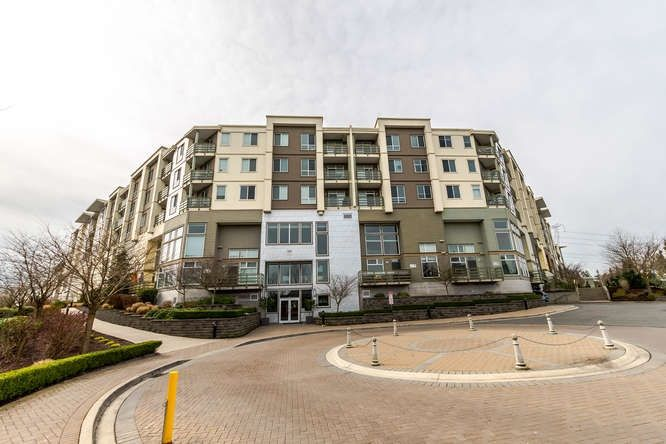 "Main Photo: 427 15850 26 Avenue in Surrey: Grandview Surrey Condo for sale in ""Summit House"" (South Surrey White Rock)  : MLS®# R2236634"