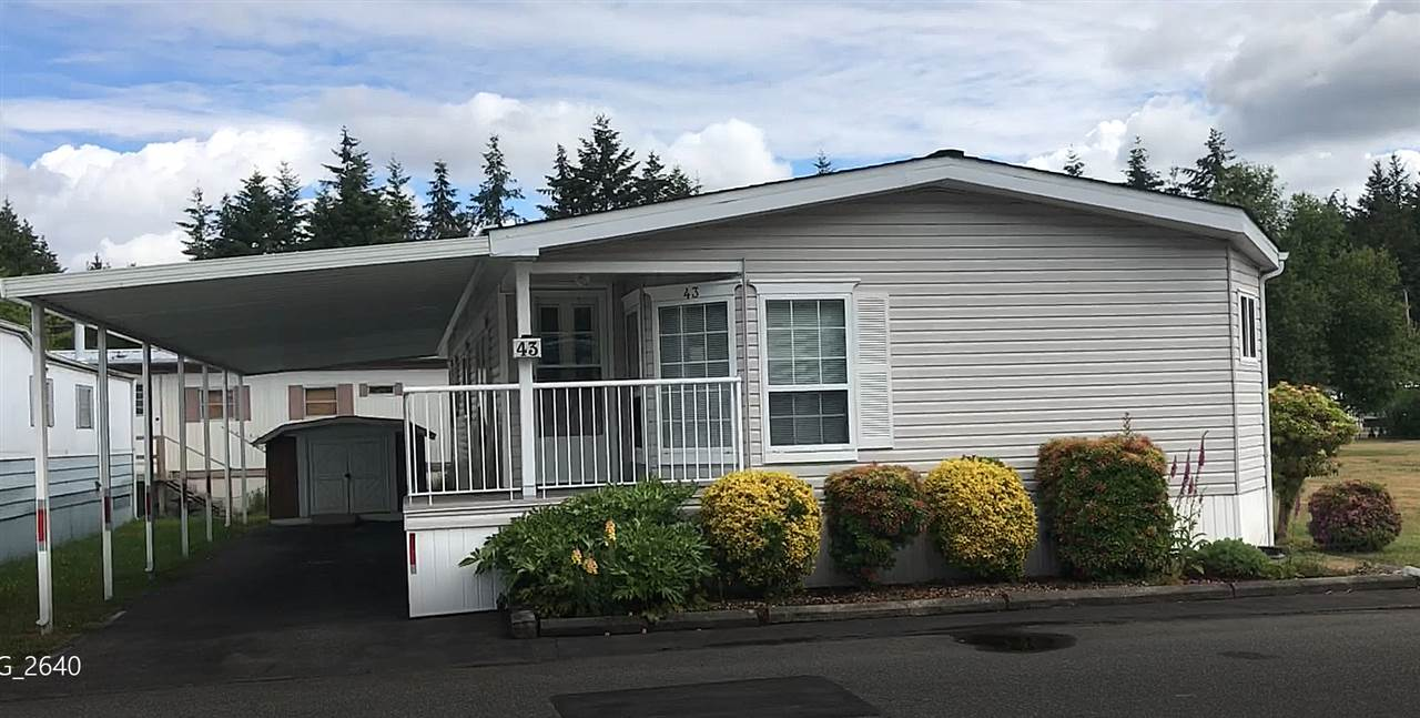 "Main Photo: 43 3031 200 Street in Langley: Brookswood Langley Manufactured Home for sale in ""Cedar Creek"" : MLS®# R2275738"