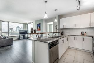 "Main Photo: 1006 814 ROYAL Avenue in New Westminster: Downtown NW Condo for sale in ""News North"" : MLS®# R2290462"