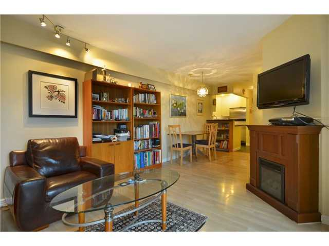 "Photo 3: 104 1082 W 8TH Avenue in Vancouver: Fairview VW Condo for sale in ""LA GALLERIA"" (Vancouver West)  : MLS(r) # V916450"