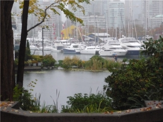 "Main Photo: 101 1550 MARINER Walk in Vancouver: False Creek Condo for sale in ""MARINER POINT"" (Vancouver West)  : MLS(r) # V976624"