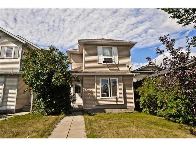 Main Photo: 252 MARTINDALE Boulevard NE in CALGARY: Martindale Residential Detached Single Family for sale (Calgary)  : MLS® # C3591606