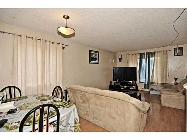 Photo 8: 252 MARTINDALE Boulevard NE in CALGARY: Martindale Residential Detached Single Family for sale (Calgary)  : MLS(r) # C3591606