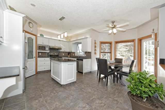 Photo 6: 158 HAMPSTEAD CIR NW in Calgary: Hamptons Residential Detached Single Family  : MLS(r) # C3637486