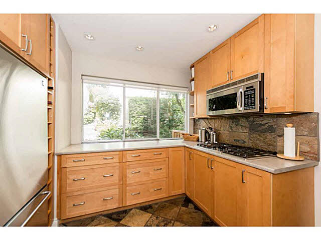 Photo 3: 6 241 E 4TH Street in NORTH VANC: Lower Lonsdale Townhouse for sale (North Vancouver)  : MLS® # V1142802