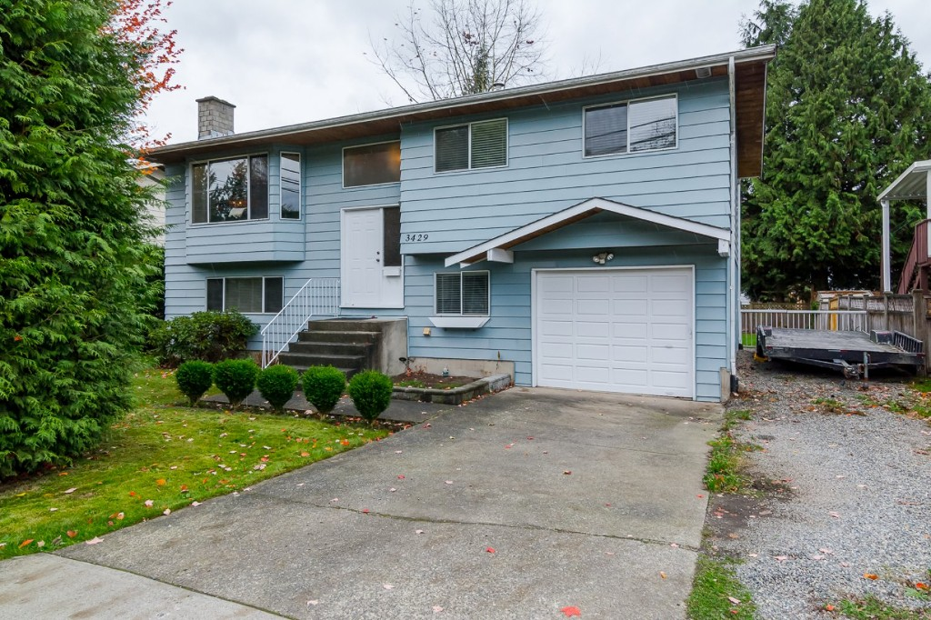 Welcome to 3429 272 Street, Aldergrove!