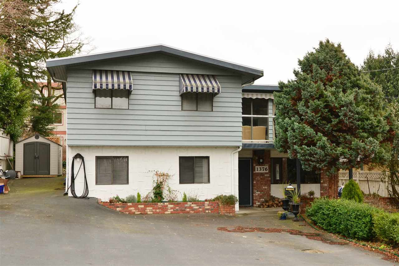 "Main Photo: 1376 EVERALL Street: White Rock House for sale in ""White Rock"" (South Surrey White Rock)  : MLS® # R2026894"
