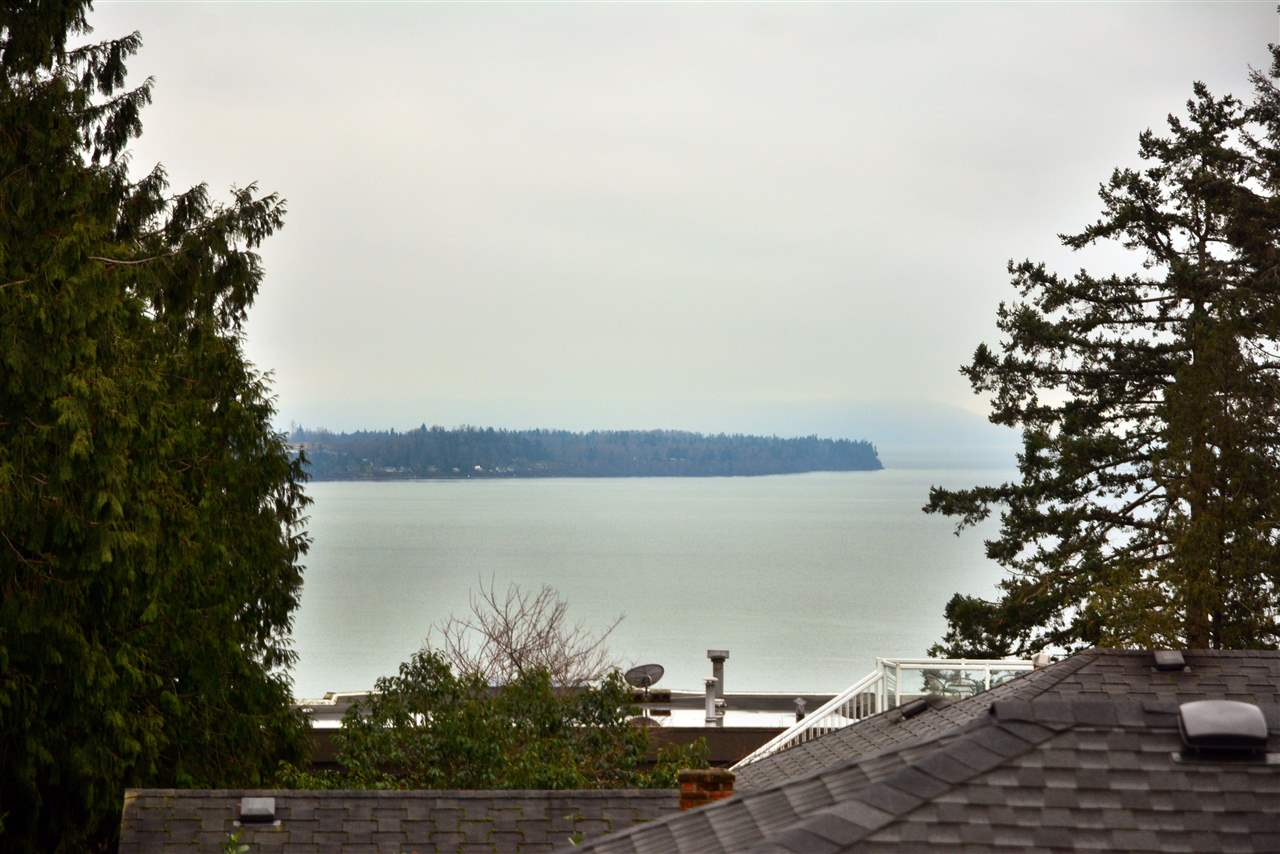 "Photo 20: 1376 EVERALL Street: White Rock House for sale in ""White Rock"" (South Surrey White Rock)  : MLS(r) # R2026894"