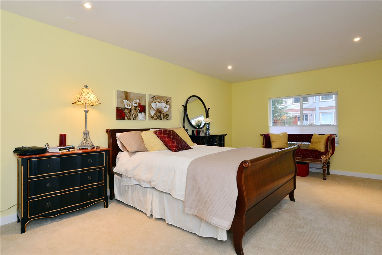 "Photo 10: 1376 EVERALL Street: White Rock House for sale in ""White Rock"" (South Surrey White Rock)  : MLS(r) # R2026894"
