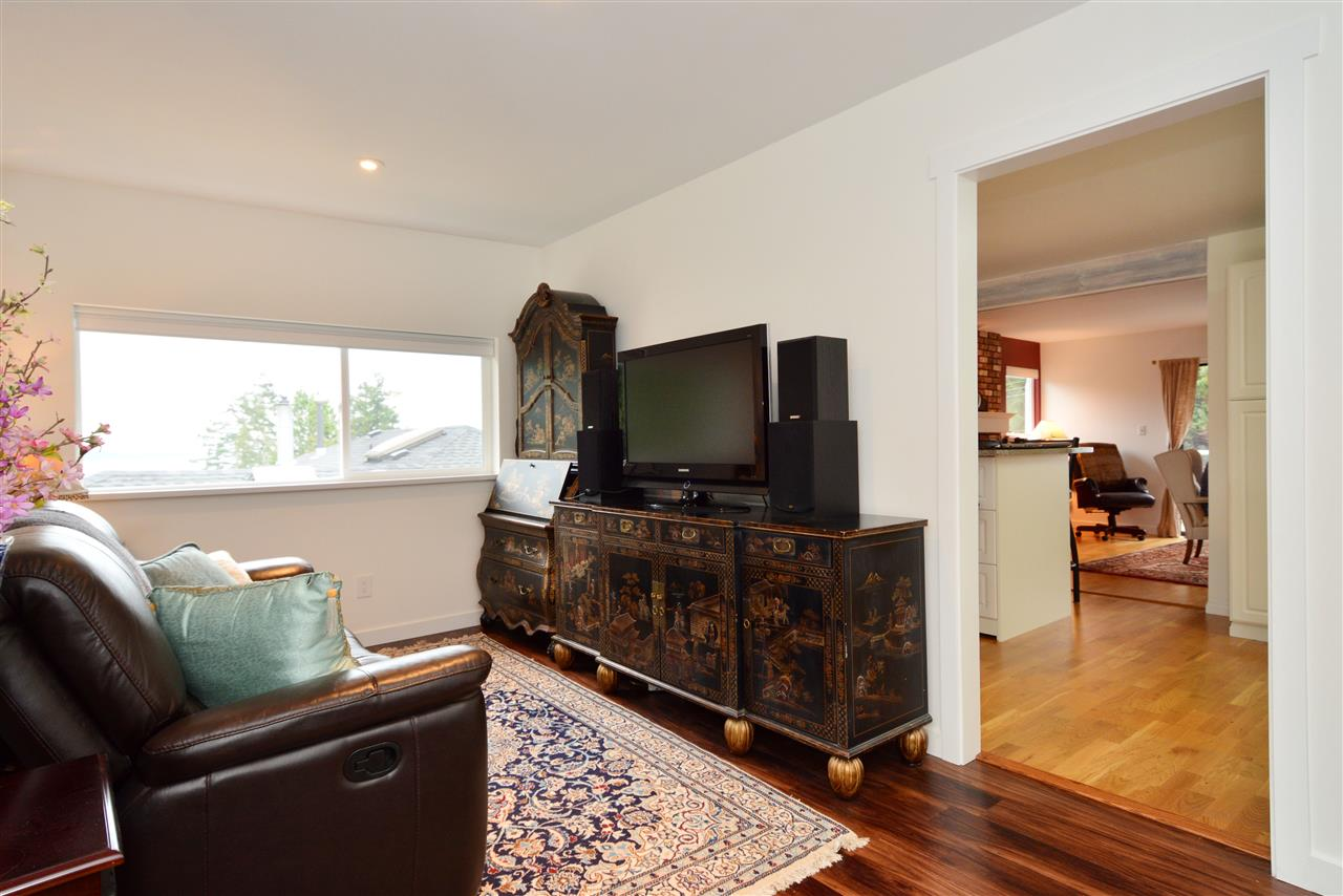 "Photo 9: 1376 EVERALL Street: White Rock House for sale in ""White Rock"" (South Surrey White Rock)  : MLS(r) # R2026894"