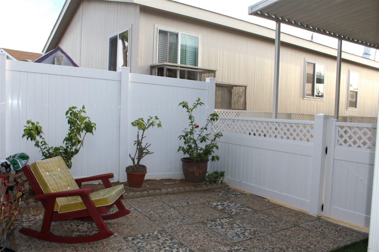 Photo 10: CARLSBAD SOUTH Manufactured Home for sale : 3 bedrooms : 7118 San Bartolo in Carlsbad