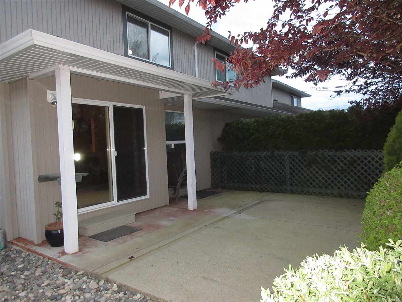 Photo 15: 3 9408 HAZEL Street in Chilliwack: Chilliwack E Young-Yale Townhouse for sale : MLS® # R2055068