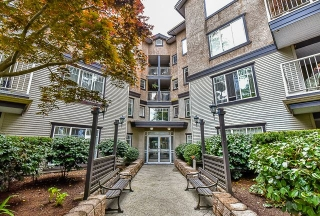 "Main Photo: 302 20288 54 Avenue in Langley: Langley City Condo for sale in ""CAVALIER COURT"" : MLS® # R2060769"