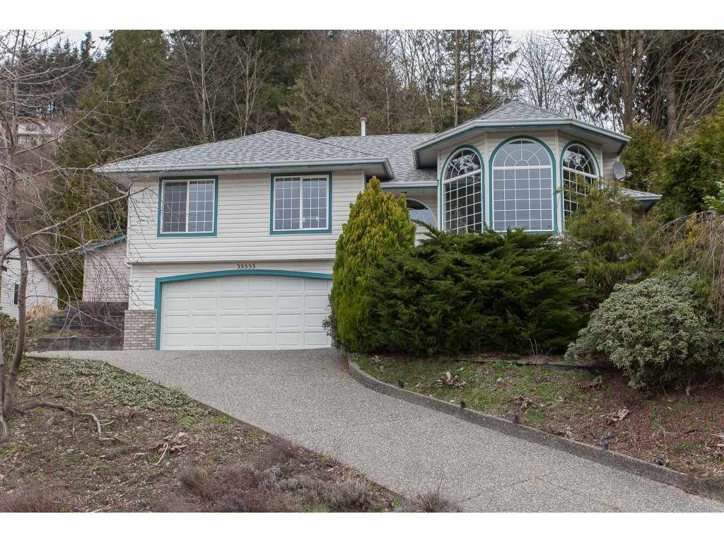 Main Photo: 35553 DINA Place in Abbotsford: Abbotsford East House for sale : MLS®# R2148905