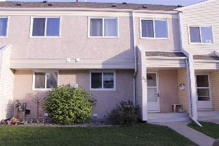 Main Photo: 16555 100 Street in Edmonton: Zone 27 Townhouse for sale : MLS(r) # E4059648