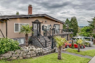 Main Photo: 1600 HOLDOM Avenue in Burnaby: Parkcrest House for sale (Burnaby North)  : MLS(r) # R2165020