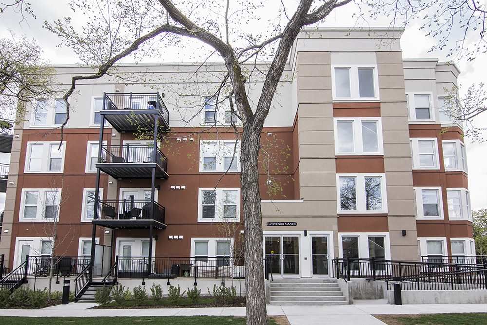 Main Photo:  in Edmonton: Zone 21 Condo for sale : MLS(r) # E4065448