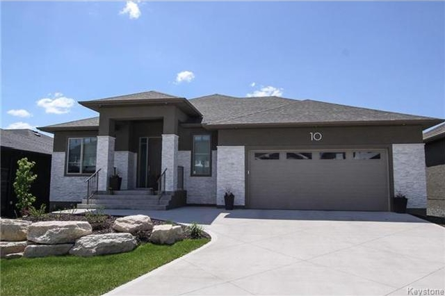 Main Photo: 10 Erin Woods Road in Winnipeg: Bridgwater Forest Residential for sale (1R)  : MLS®# 1713017