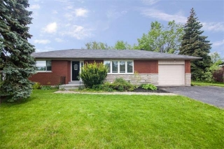 Main Photo: 8299 E Twenty Road in Hamilton: Rural Glanbrook House (Bungalow) for sale : MLS(r) # X3818456