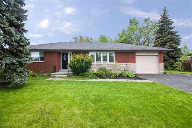 Main Photo: 8299 E Twenty Road in Hamilton: Rural Glanbrook House (Bungalow) for sale : MLS® # X3818456