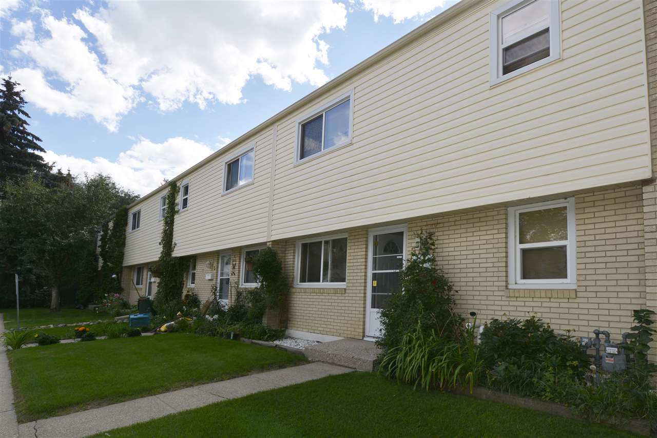 Main Photo: 3 ROYAL Road in Edmonton: Zone 16 Townhouse for sale : MLS® # E4069538