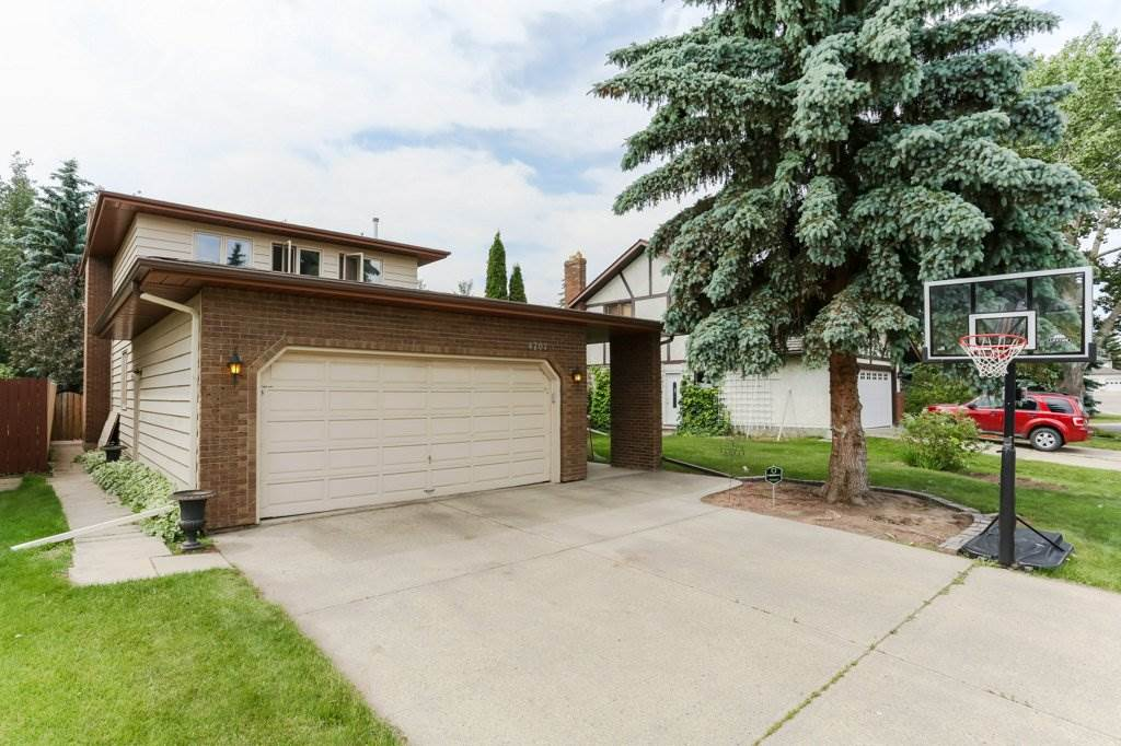 Main Photo: 4707 151 Street in Edmonton: Zone 14 House for sale : MLS(r) # E4071186