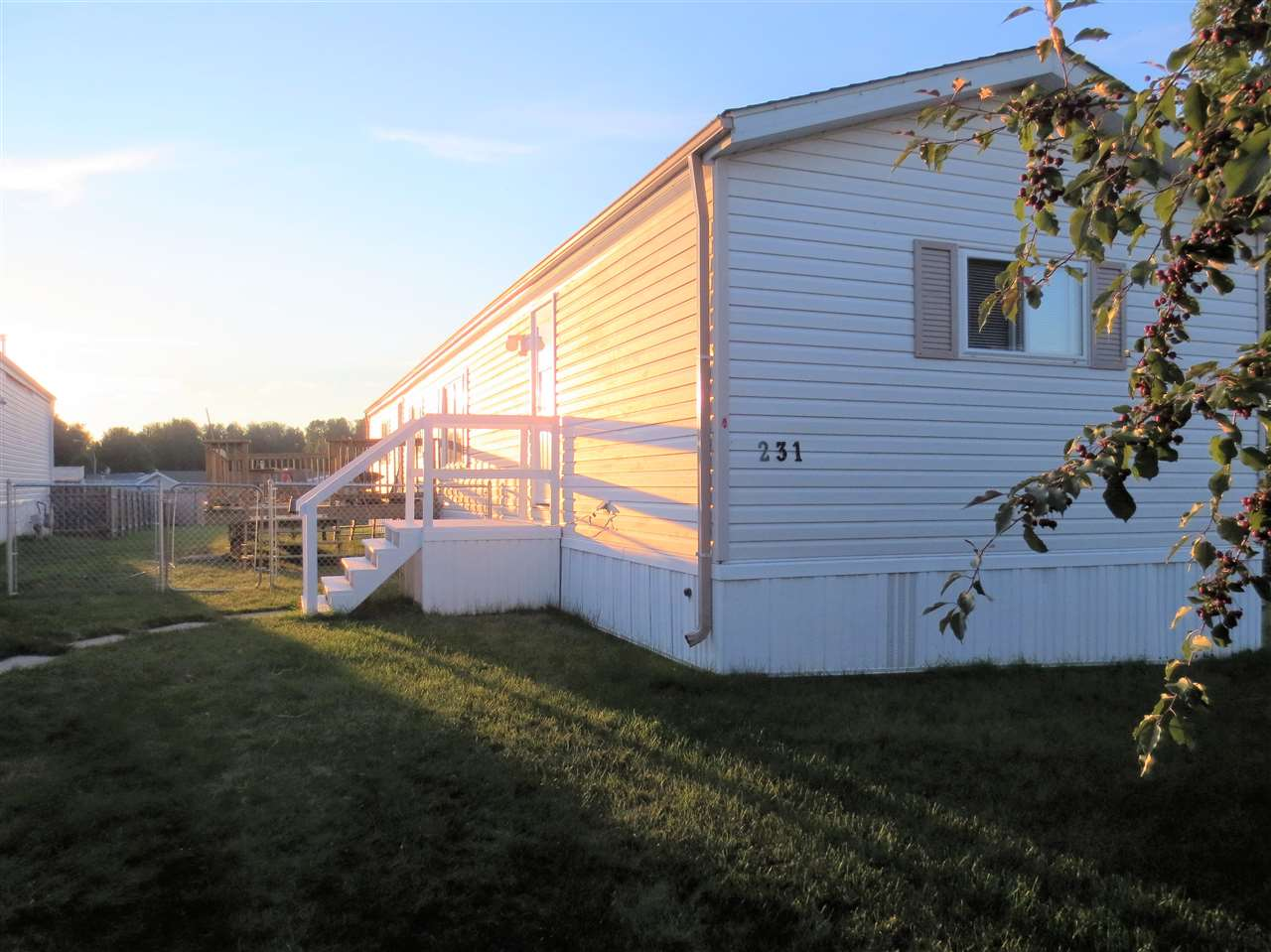 Main Photo: 231 53222 RR 272: Rural Parkland County Mobile for sale : MLS® # E4075303