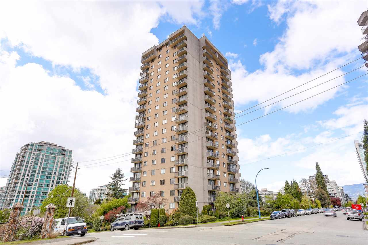"Main Photo: 1507 145 ST. GEORGES Avenue in North Vancouver: Lower Lonsdale Condo for sale in ""TALISMAN TOWERS"" : MLS®# R2203430"